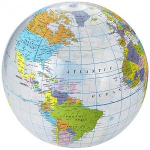 Globe pripučiamas paplūdimio kamuolys
