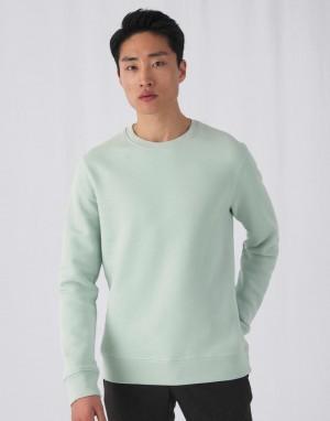 Universalus džemperis su apvalia, prigludusia kaklo iškirpte