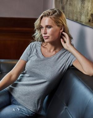 Moteriški marškinėliai su V formos kaklo iškirpte