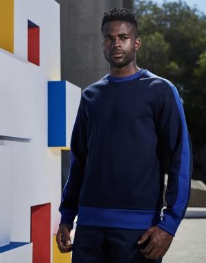 Vyriškas kontrastingų spalvų džemperis iš poliesterio